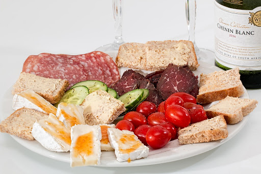 Advantages of Hiring a Catering Service Company